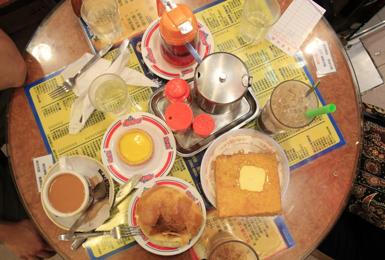 Cha chaan teng 2 table with food