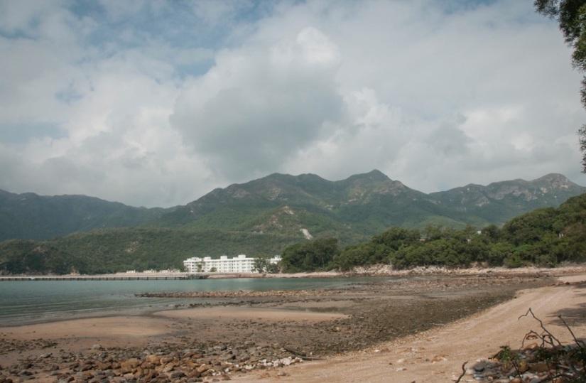 Lantau Trail 9-4 Prison in the background