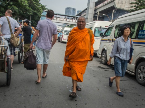 4 Bangkok Monk in the street