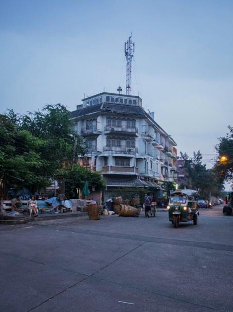 6 Bangkok side street Thanon Buranasat