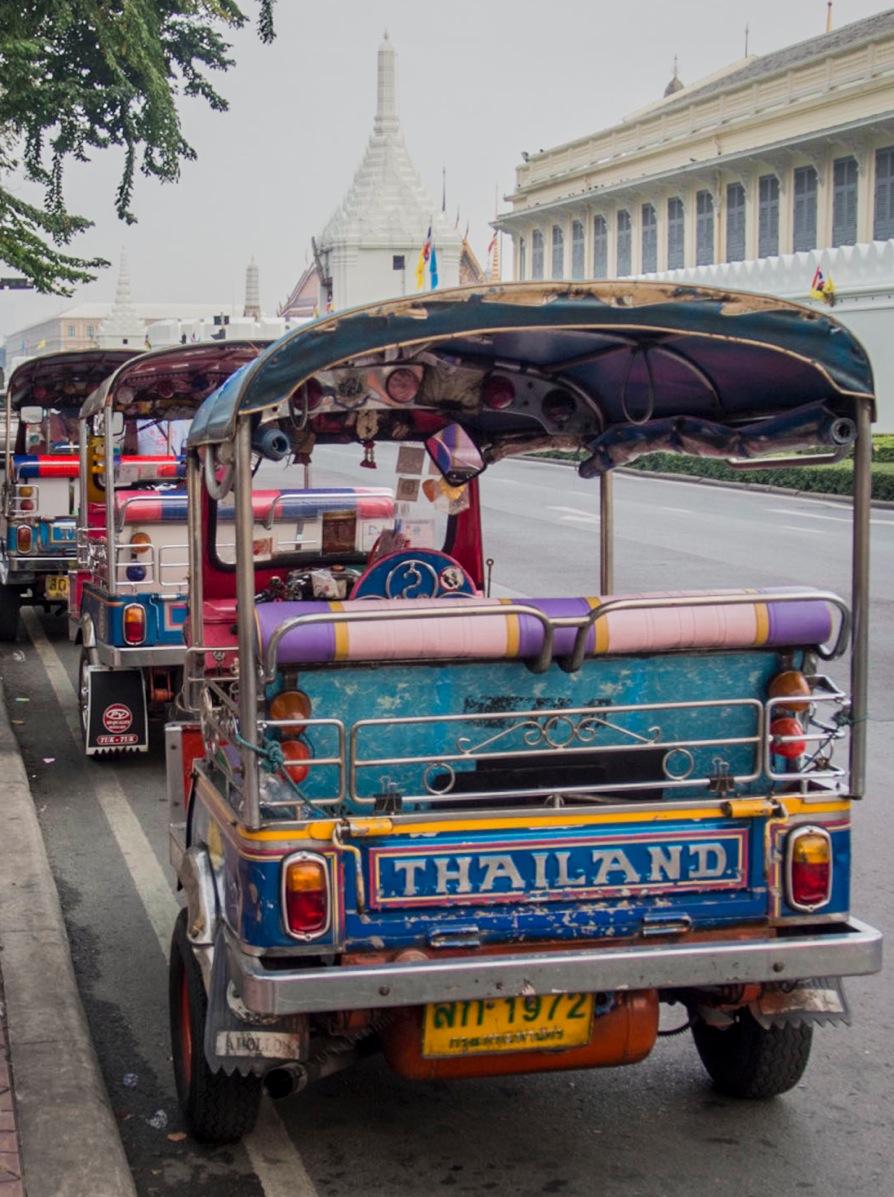 Bangkok: Tuk Tuks at the Grand Palace  bluebalu: Living ...