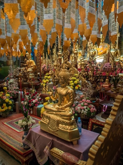 Chiang Mai Temples 8 inside