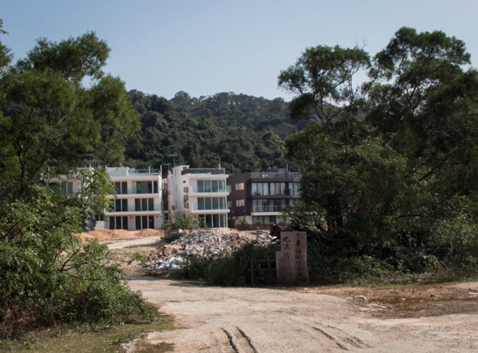 Lantau Trail Stage 12-3 new Houses in  Pui 0