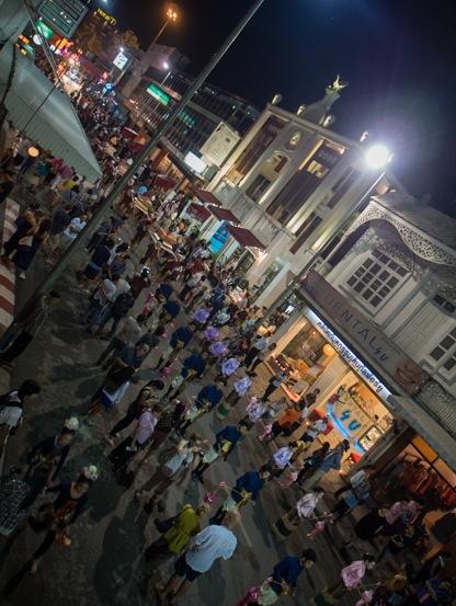 Loy Krathong and Yi Peng Parade Chiang Mai 2012-0