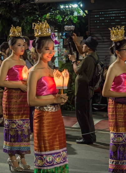 Loy Krathong and Yi Peng Parade Chiang Mai 2012-2