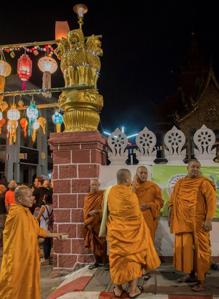 Monks in Chiang Mai 4