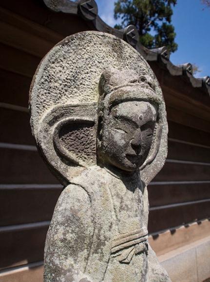 Engaku-ji Temple Kamakura 10 Statue