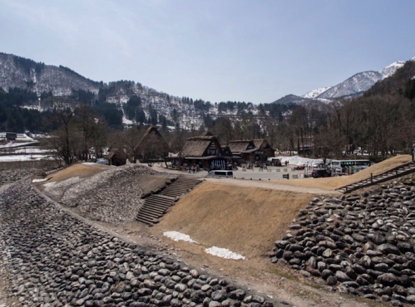 Shirakawa-go 5 parking space