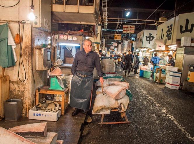 Tsukiji Fish Market 4