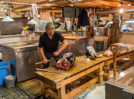 Tuna at Tsukiji FIsh Market 5