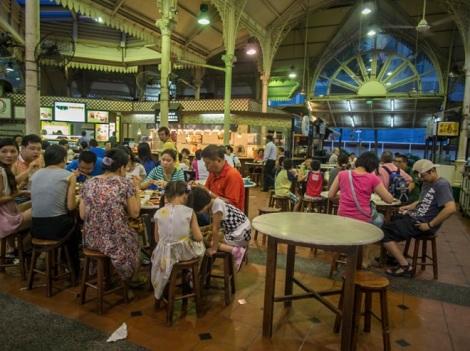 Lau Pa Sat Festival Market Singapore 1