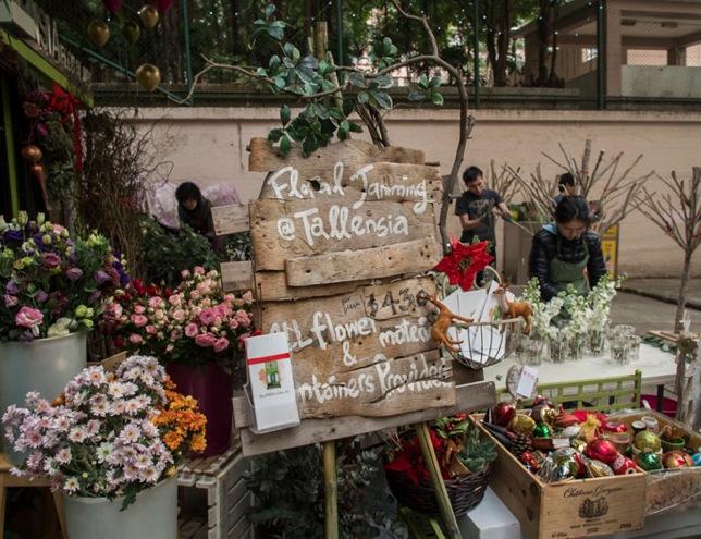 Sheung Wan Walk 3 Flowers
