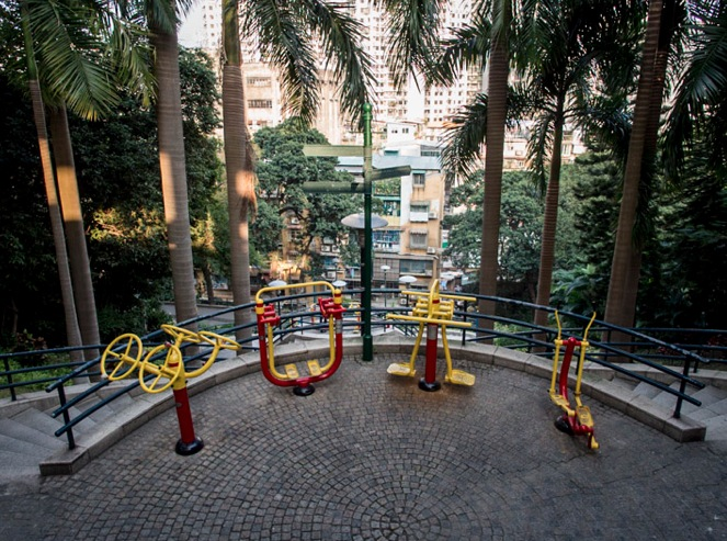 Walking through Macau Dec 2013 Fitness
