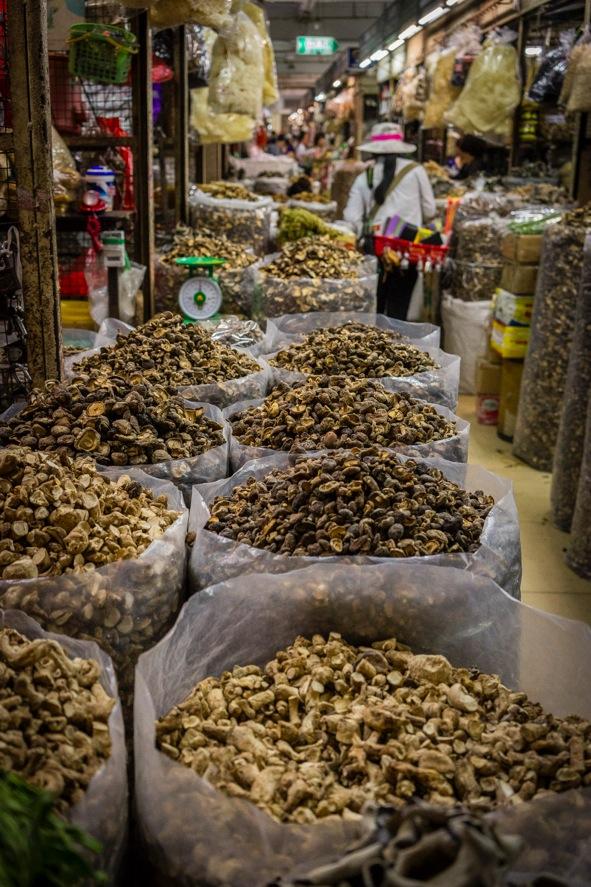 Hanoi Dong Xuan market 1
