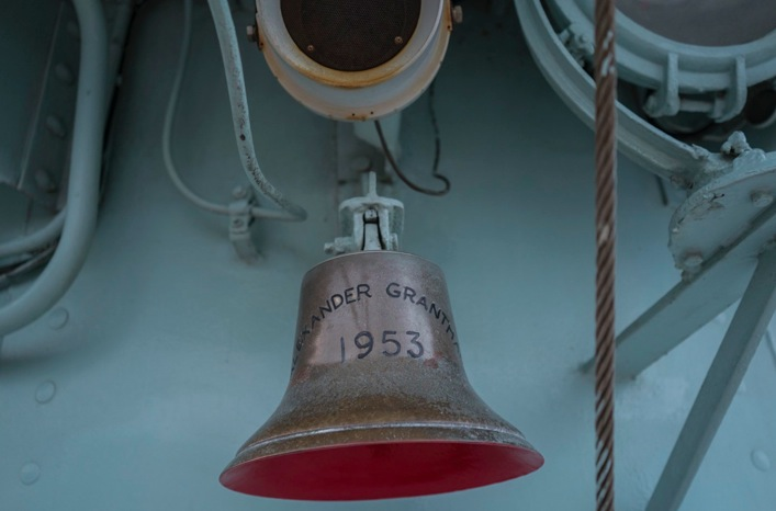 Fireboat Alexander Grantham 8