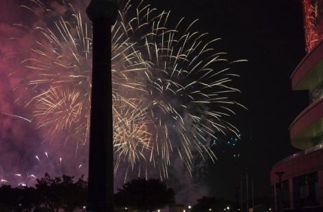 Hong Kong NYE fireworks 2014-2