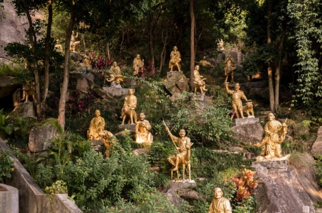 10000 Buddhas in Sha Tin Hong Kong Jan 2016-11