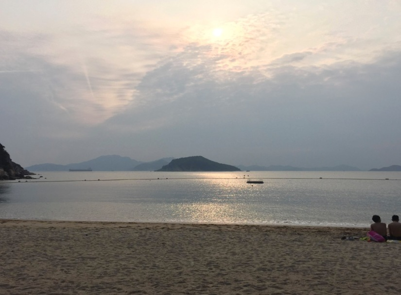 Chung Hom Kok Beach April 2016-12