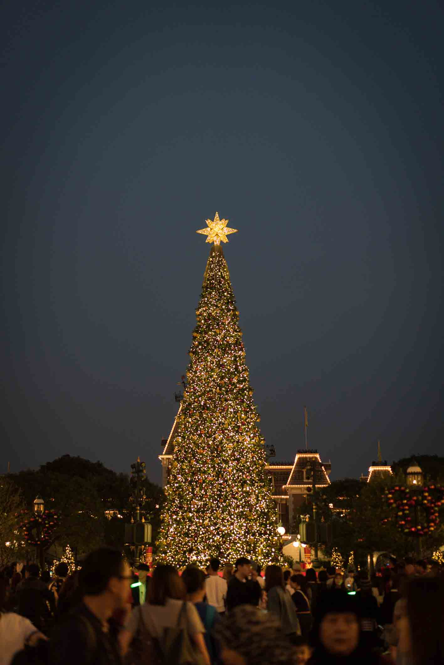 Christmas In Disneyland Hong Kong.Hong Kong Disneyland In The Run Up To Christmas Bluebalu